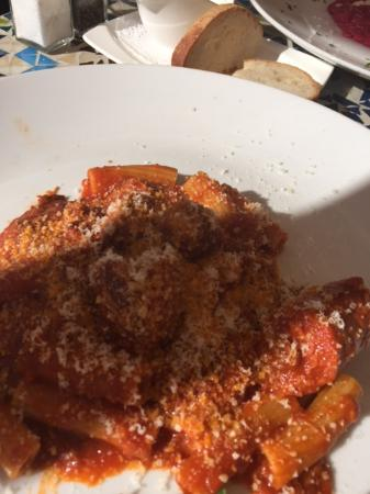 Danville, Kalifornia: Penne Pasta with sausage, veal and chicken