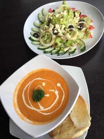MiX Espresso Bar : Tomato soup and mediterraneon salad