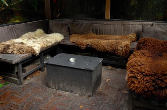 Private garden picture of garden suite amsterdam for Home landscape design suite 8 0 link