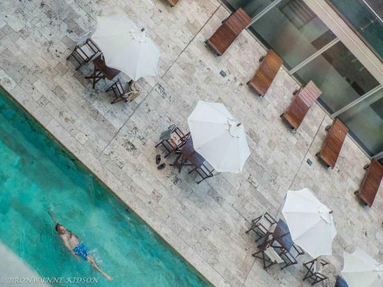 Dazzler Recoleta: Swimming Pool Area