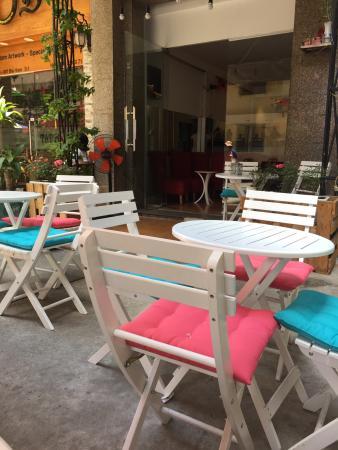 Paris Oi Cafe