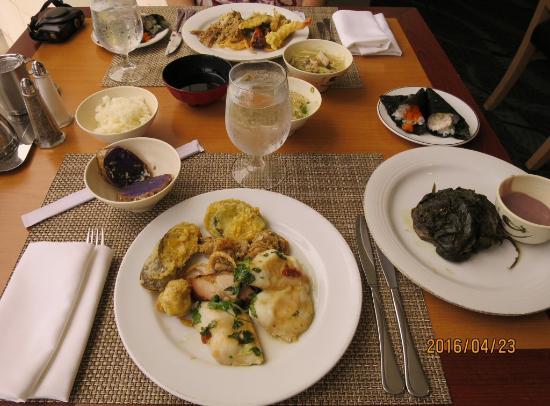 hawaiian buffet picture of prince court restaurant honolulu rh tripadvisor com