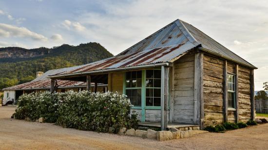 Wolgan Valley, Australia: 1832 Farmhouse