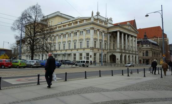 Opera Wroclaw : Landmark building.