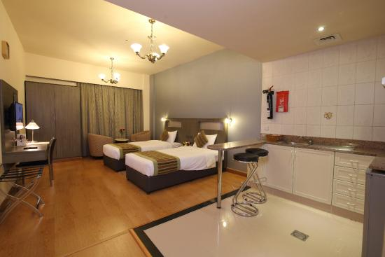 Flora Hotel Apartments: Twin Studio