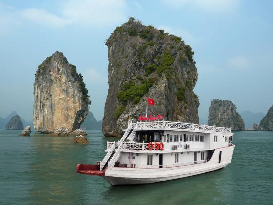 Bien Ngoc Cruises