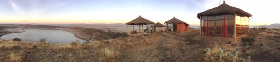 Abidjatta-Shalla National Park, Ethiopia: Africa like you see it on National Geographic. Beautiful lodge totally integrated between 2 lake