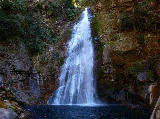Totsukawa-mura, Japan: 落差32mの豪快な滝でした