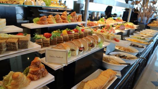 breakfast buffet for everybody picture of the kingsbury hotel rh tripadvisor co za