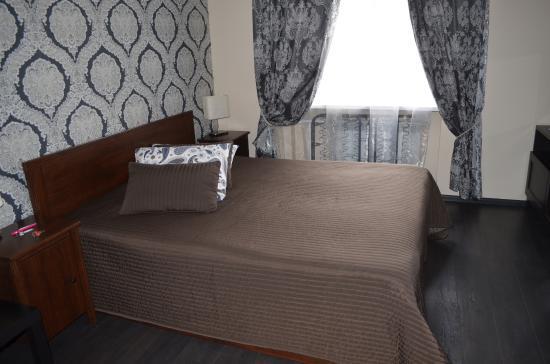 Weekend Mini-Hotel