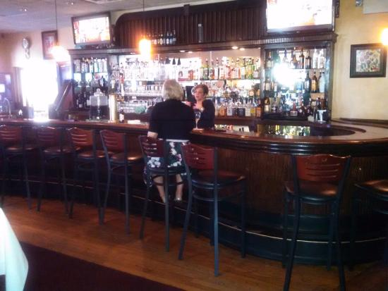 Union, NJ: Bar Area