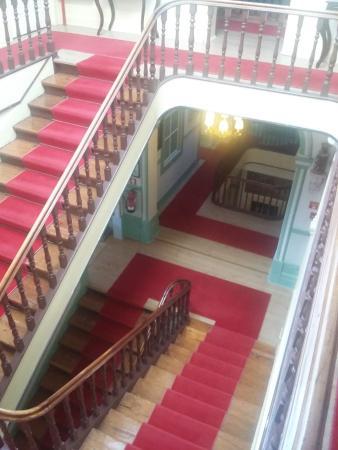 Escalier de bois superbes - Photo de Grande Hotel de Paris, Porto ...