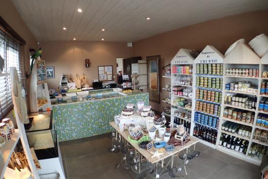 La Gueriniere, Francia: La boutique du bar