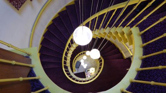 Hotel Van Eyck: Stairs