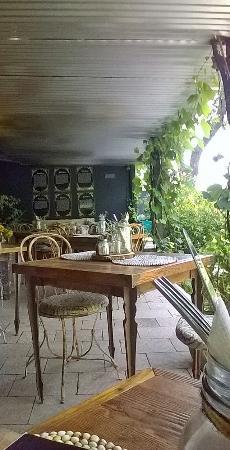 Taste By Rootz Tea Room & Brew Bar