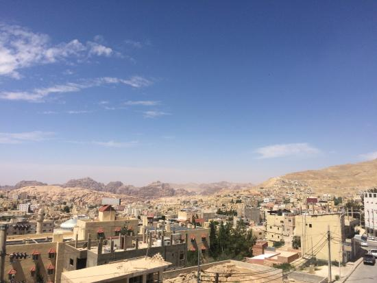 Cleopetra Hotel: Wadi Musa view from 4th floor