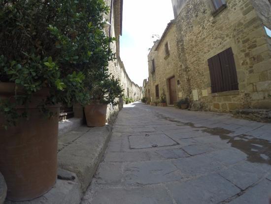 Monells, إسبانيا: Pueblo medieval de Monells
