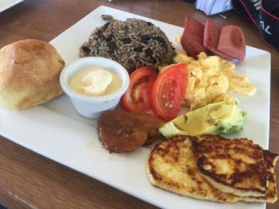El café de chumi: Traditional Tico breakfast made with love!