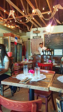Hialeah, FL: O aconchegante restaurante