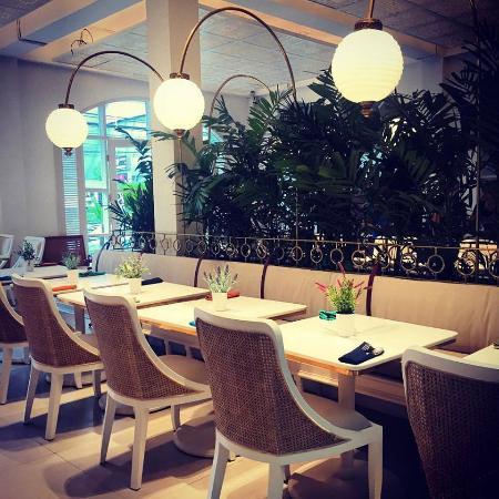 BATIK Restaurant Bar : First floor, Dining Room, Non Smoking Area