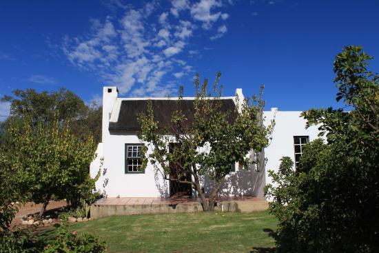 McGregor, Sudáfrica: Cottage in the apricot orchard