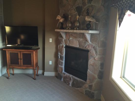 Hamburg, Nueva Jersey: TV and indoor fireplace