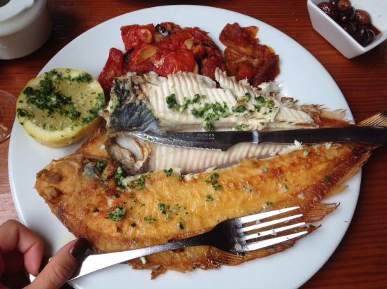 Fornalutx, Spanien: pescado