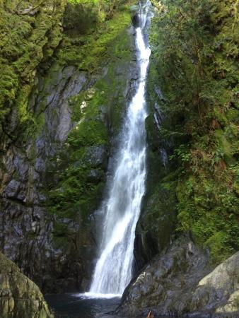 Langford, Canada: Falls at Coldstream park.