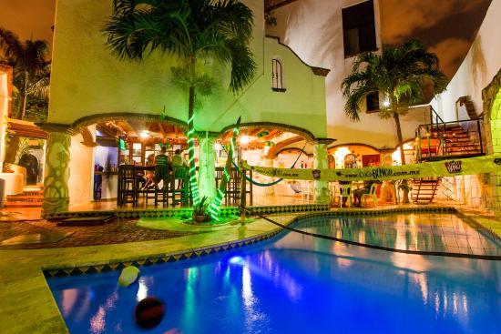 Mezcal Hostel - Cancun