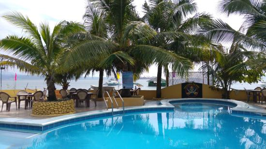 Dryden's Beachside Restaurant