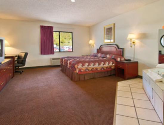 Jacuzzi Room - American Elite Inn, Hazard, KY