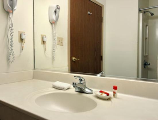 Double Queen Room - American Elite Inn, Hazard, KY