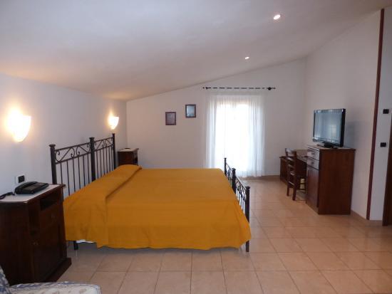 Hotel la pace asciano itali foto 39 s reviews en prijsvergelijking tripadvisor - Kleedkamer voor mansard kamer ...