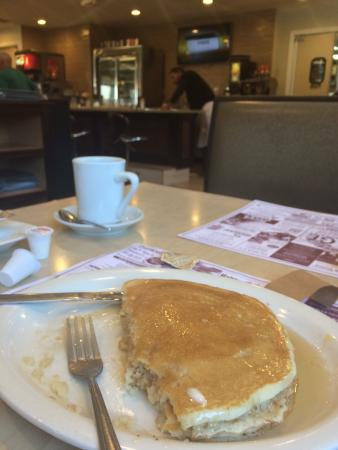 East Haven, CT: VERY good pancakes.  Taste & texture both on point.