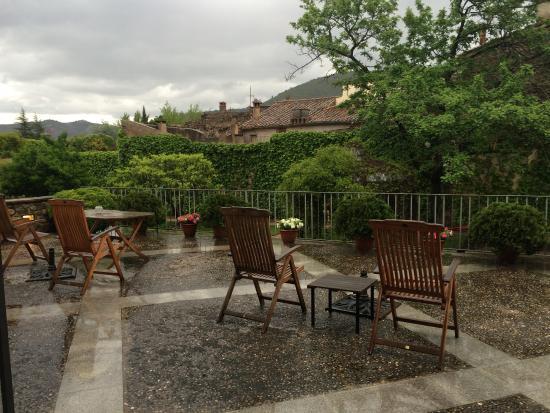 Sant Llorenc de la Muga, Spania: Terraza patio interior