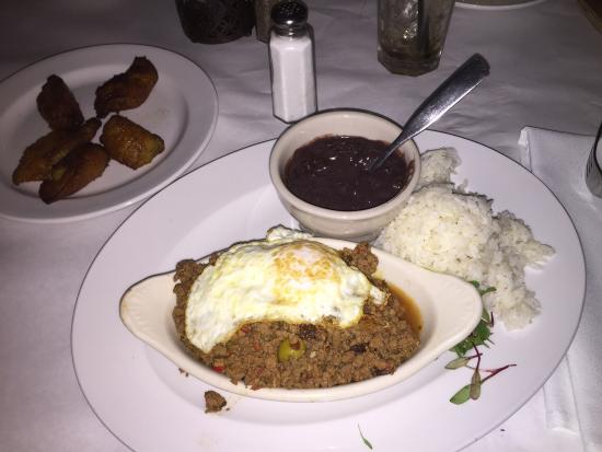 Coco Bongo's Disco Bar & Grill: Possibly the best food at Disney World