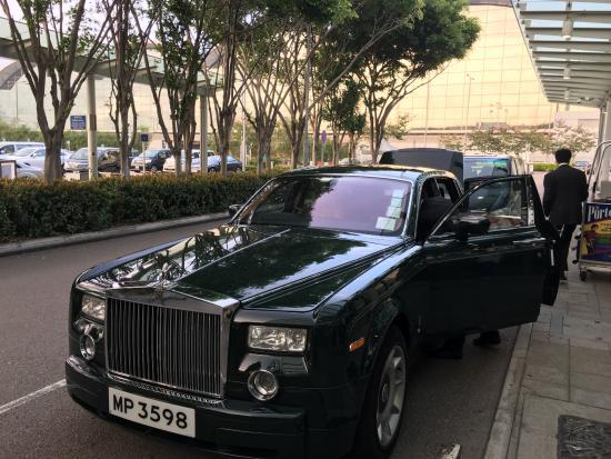 rolls royce airport pick up picture of the peninsula hong kong rh tripadvisor ie