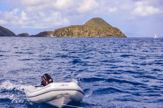 Road Town, Tortola: Sailing at a good clip
