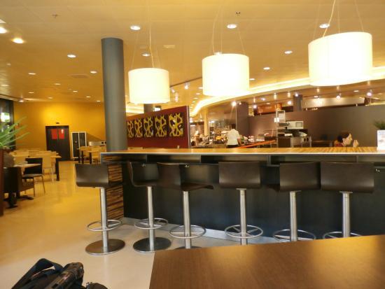 Migros Restaurant: Seating