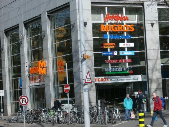 Migros Restaurant: Migros entrance