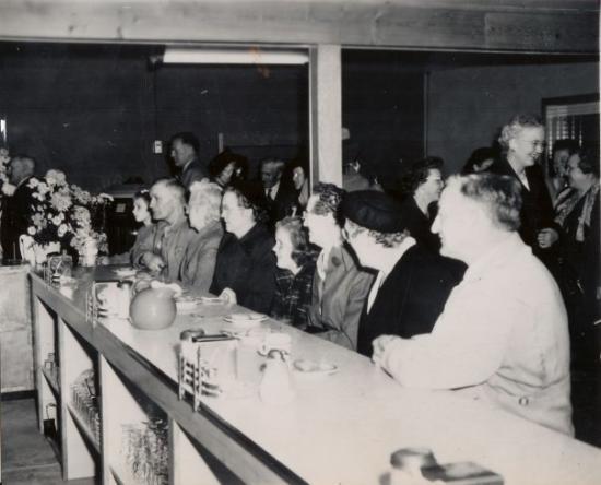 Brookings, Dakota del Sur: The Pheasant's Grand Opening- 1949.