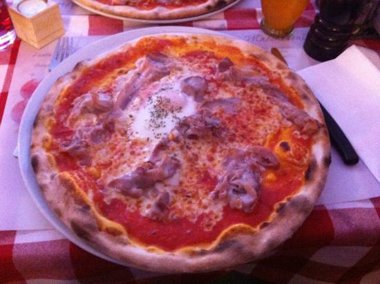 La Botte: Pizza Vesuvio...MIAM et BON APP.
