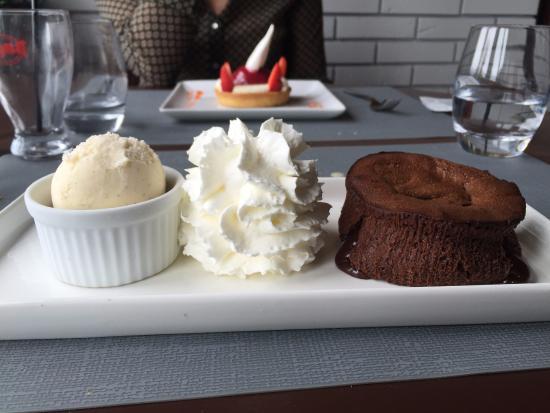 Lion-sur-mer, Francia: Moelleux au chocolat. Un régal!