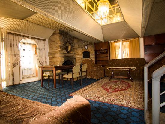 Druzhba Hostel