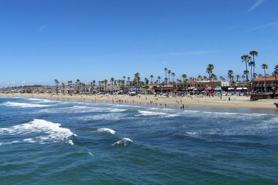 Newport Beach Pier Boardwalk Business Line The Next To