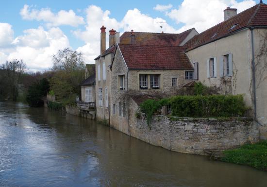 20170112 161943 photo de village medievale noyers sur serein t - 89310 noyers sur serein ...