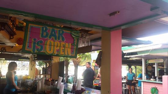 Mamacitas Restaurant and Bar : The Bar is OPEN