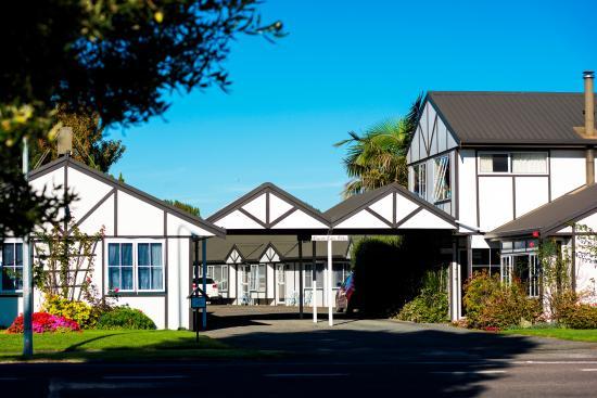 Gisborne, Yeni Zelanda: Tudor Park Motel entrance