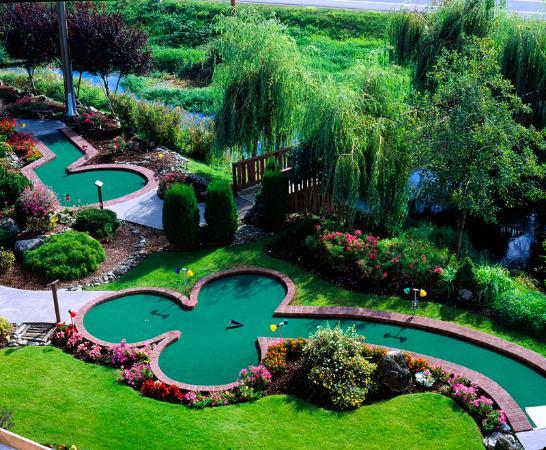 Abbotsford, Canadá: Outdoor Mini Golf