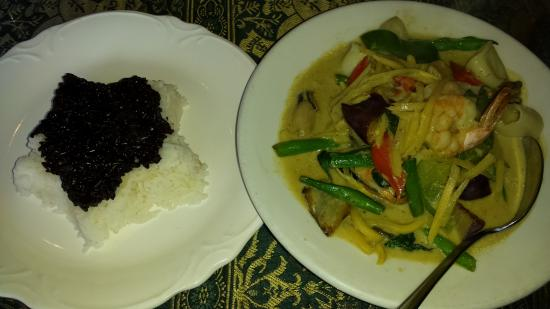 Thai Lahnna: Seafood Curry with jasmine and black rice